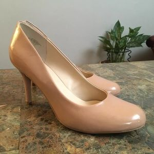 Nine West Nude Faux Leather Round Toe Heels Pumps